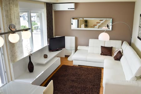 Luxurious apartment in center of Malinska - Radići