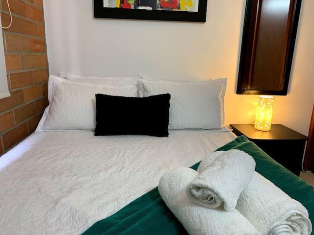 habitación cómoda y privada en el poblado