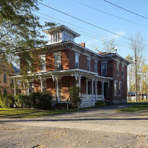 The Seneca at Red Brick Manor