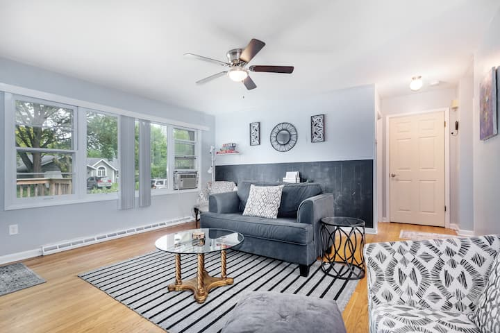 2BR Home by UW Arboretum