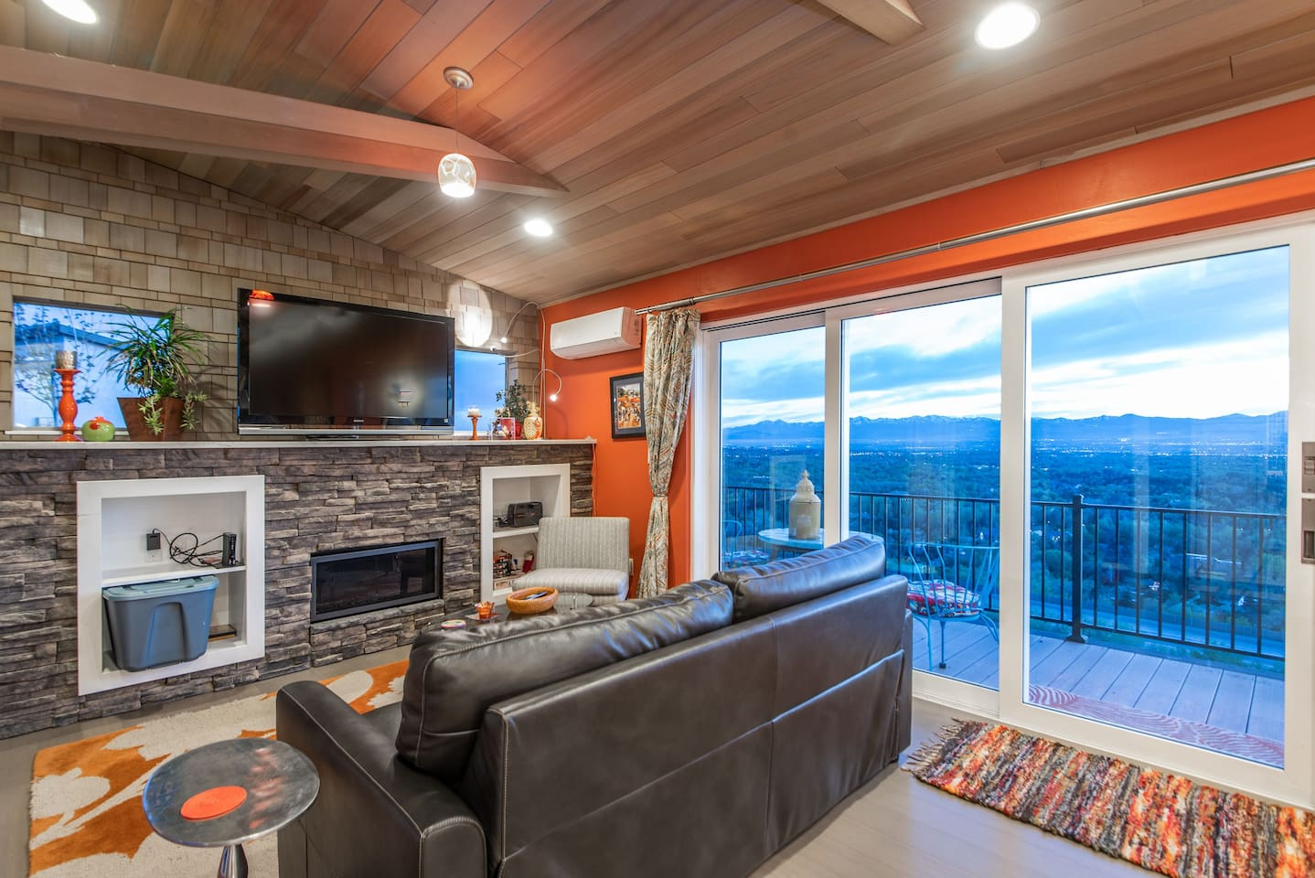 Beautiful views and a fireplace!