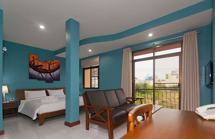 Suite 1 bedroom with Free WiFi and close to beach - Pattaya - Boutique hotel