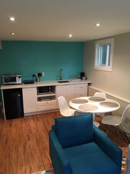 Cozy Clean 2 Bedroom Central Location Suite Degli