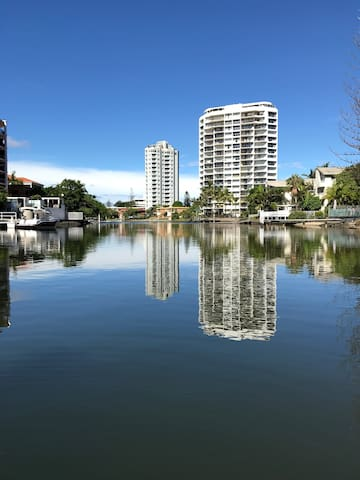 Waterfront king room in Surfers - Surfers Paradise - Appartement