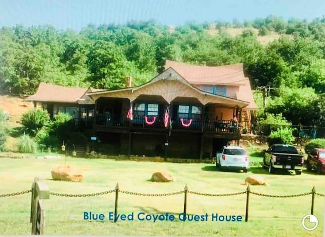 Coyote Den, Ft Sill, Medicine Park free Breakfast
