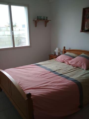 Chambre lit 140x190