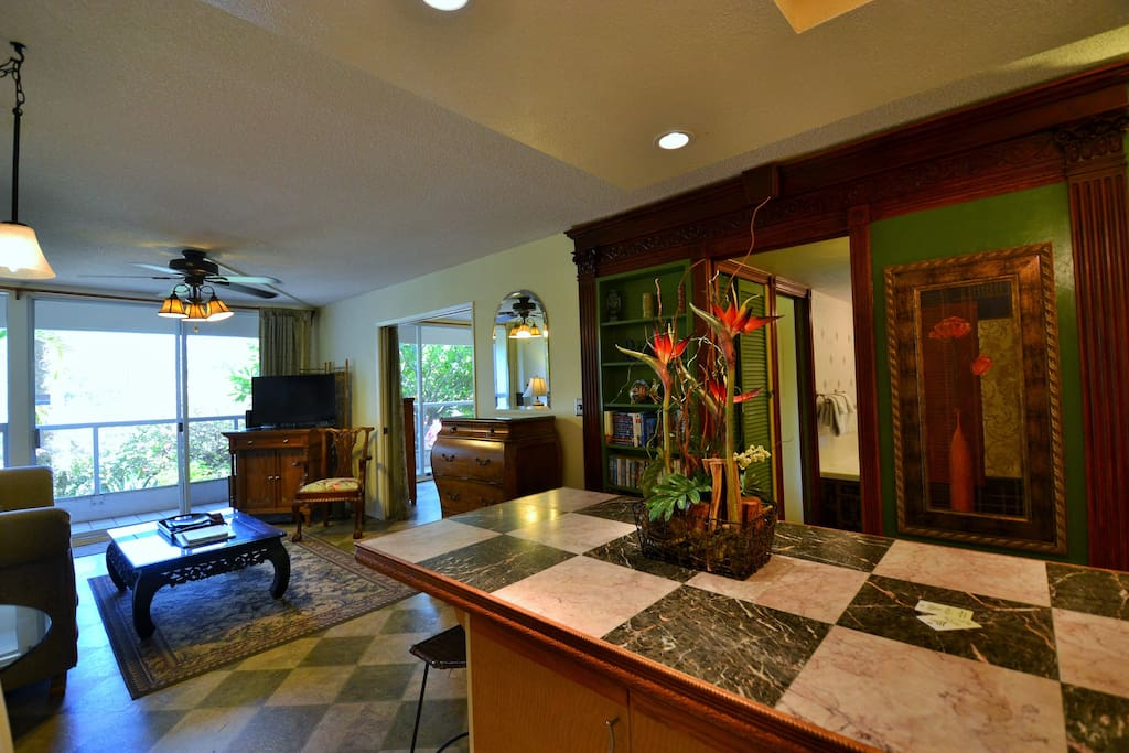 Large open floor plan with private Lanai
