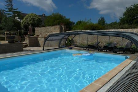 Maison en littoral avec piscine (rez-de-chaussée) - Moëlan-sur-Mer - House