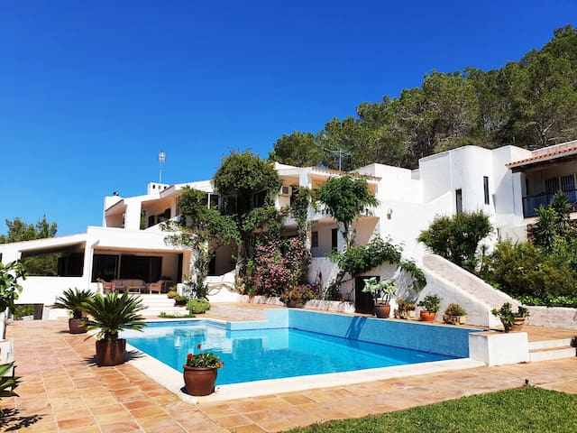 Sant Agustin, Private Villa with Sea & Sunset View