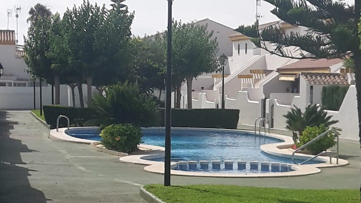 Townhouse with swimming-pool close to beaches
