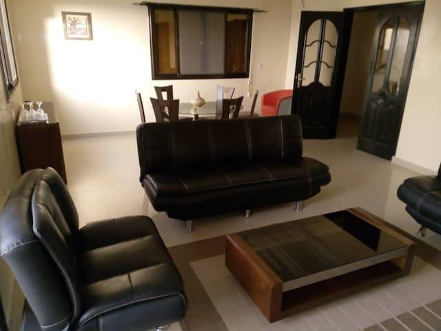 Spacious Apartment au rond-point Ngor-Almadie