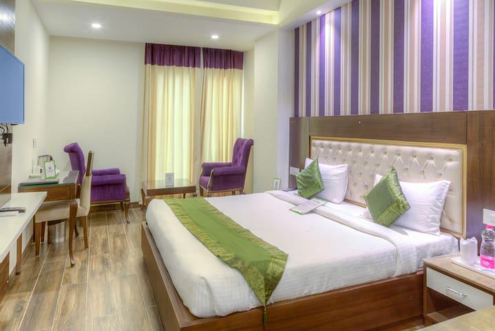 Luxurious Stay @ Zirakpur, Chandigarh