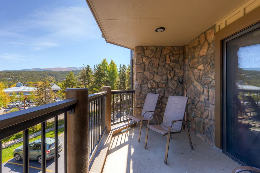 Spacious deck overlooking Park Ave and Baldy Mtn.