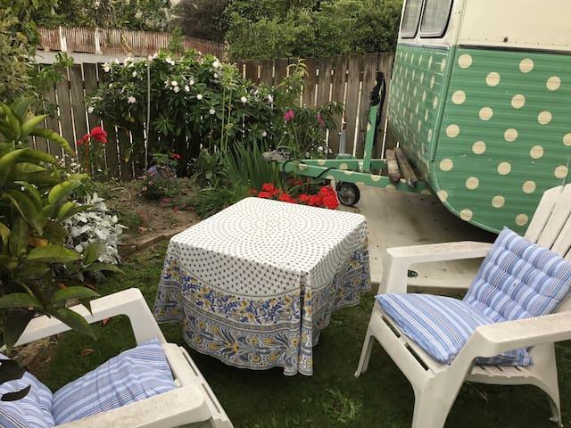 Vintage Caravan - Otaki