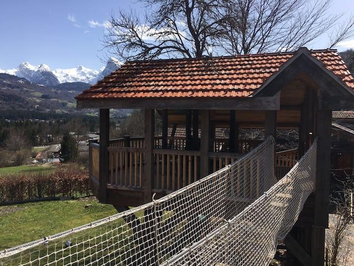 Spacious farmhouse with unique treehouse terrace