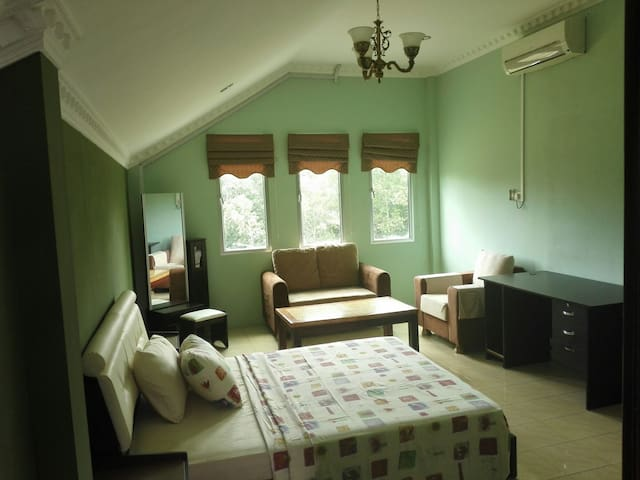 Villa Dadap master bedroom - Kilanas