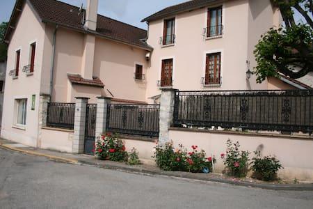 le Pingouin - Bennecourt - Maison