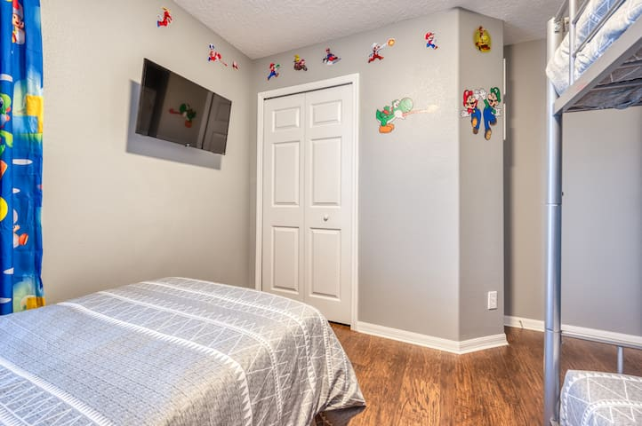 """Mario Bros Themed Room with Closet and 32"""" Smart TV"""