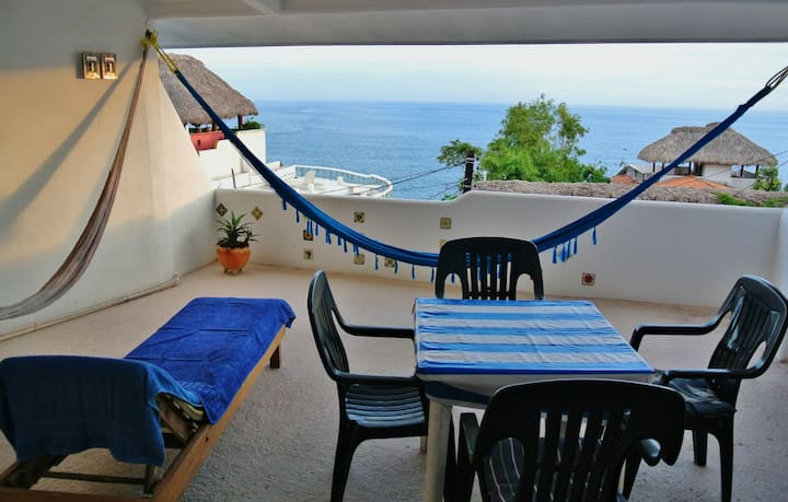 Rooftop Studio with Amazing Panoramic Oceanview
