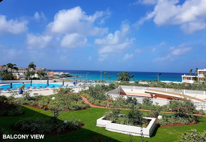 1 Bed Condo w/ ocean view, pool & free WIFI