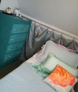 1 Room Single Bed Cozy Space - Hus