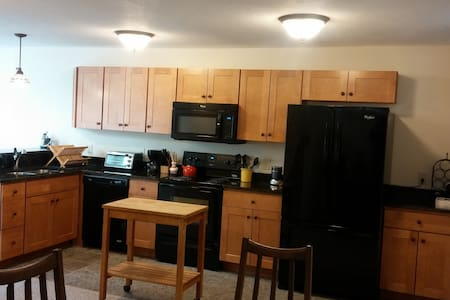 Sunny Condo near Sugarbush/MRG - Warren - Társasház