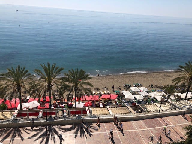 1st line Beachfront   |  Prime location Marbella