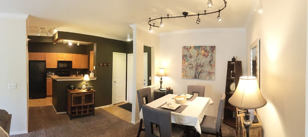 Luxury 2 Bedroom / 1 Bath Condo- Sleeps up to 6 - Eden Prairie - Kondominium
