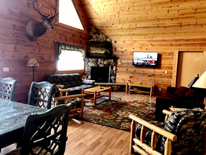 Yogi's Lodge 1005 - Middle Unit w/adjoining doors