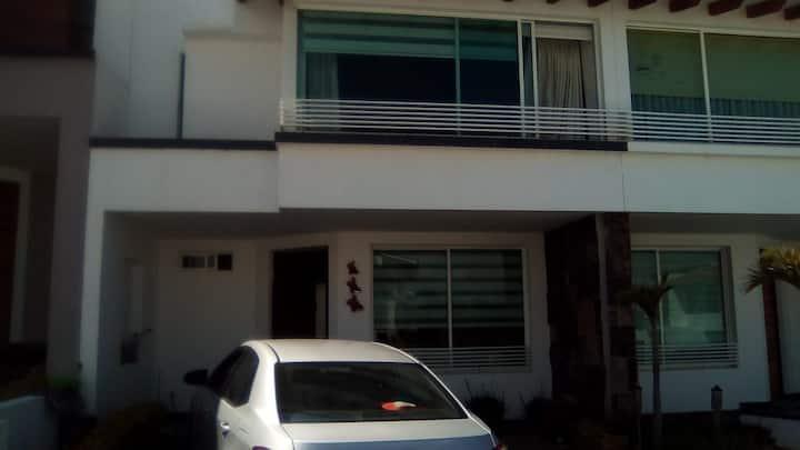 Casa Los Mirasoles