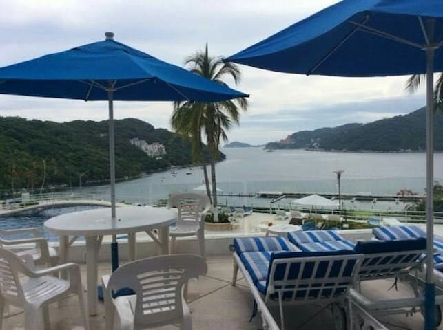 ACAPULCO APARTMENT A PLACE FOR YOUR HEART & SOUL!!