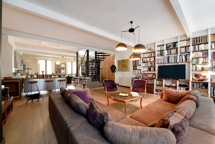 Salon 90 m²