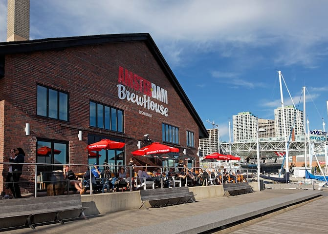 amsterdam brewhouse is a 2 minute walk away