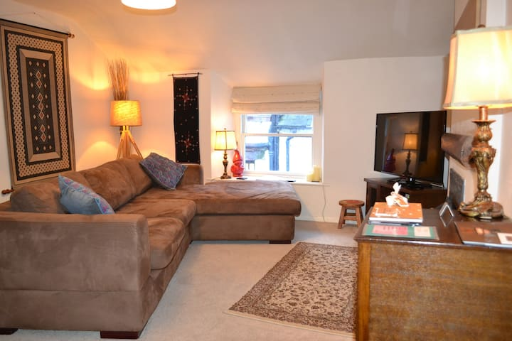 Heart of Bowness 'The Den' - Bowness-on-Windermere - Apartament