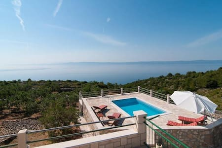 Touch of Paradise - House with Pool - Sumartin