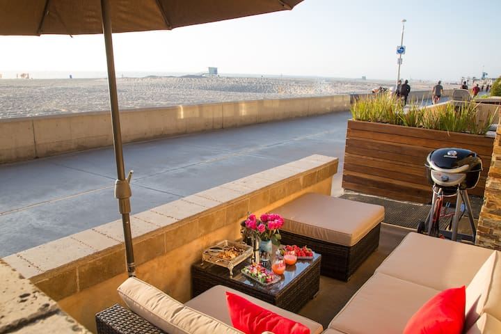 Oceanfront: The Strand: BBQ's Sunsets & Relaxation