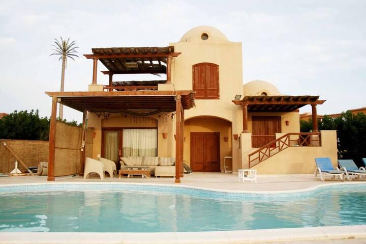 "Fantastic 3 Bedrooms Villa in West Golf  ""N"""