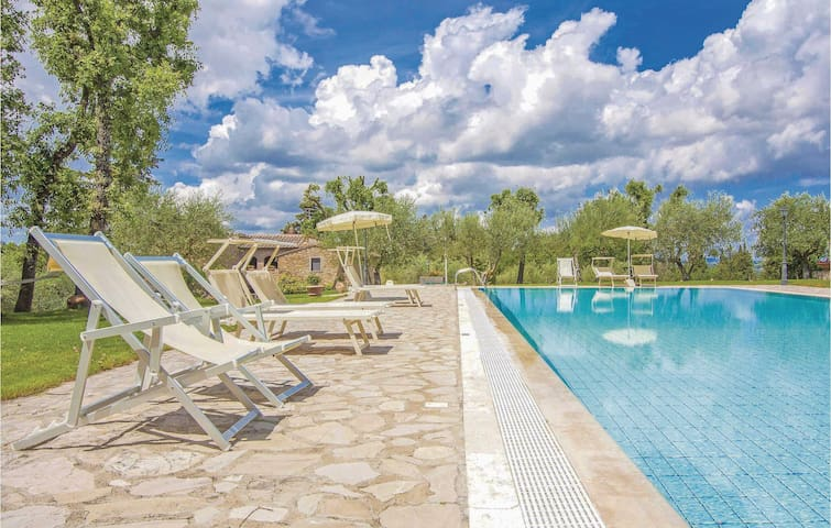 Holiday apartment with 2 bedrooms on 57m² in San Donato in P. FI