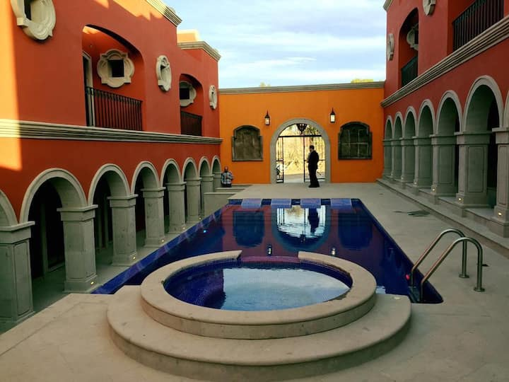 Hatso Modern colonial house &jacuzzi in San Miguel