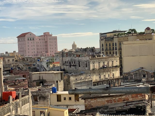 Whole apartment in the heart of Havana
