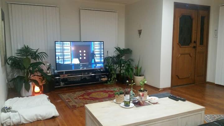 House w/PRIVATE Amenities. 2x L/Room. BIG Backyard