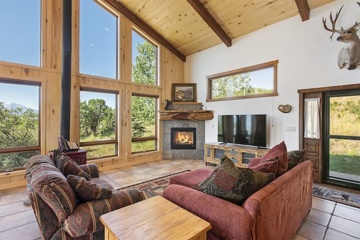 The Cottonwood Cottage - Space, Serenity, & Views