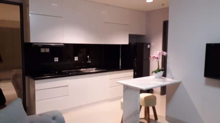 New April 2019 tunjungan plaza* luxury apartment.