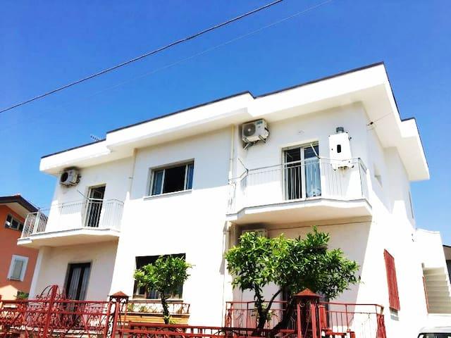 Paestum apartment C in villa 750 m from the sea