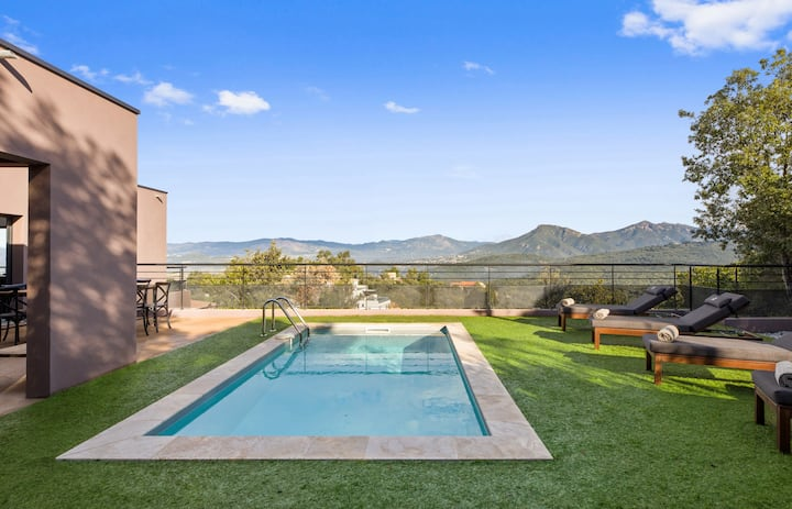 Beautiful villa with pool at the heart of the bush in Porticcio - Welkeys