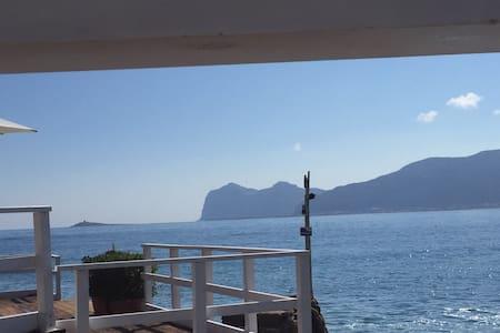 Accogliente bungalow con sbocco al mare - Carini