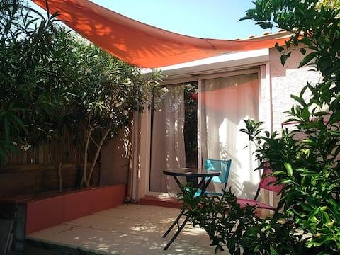 Studio avec terrasse proche Montpellier, à Pignan
