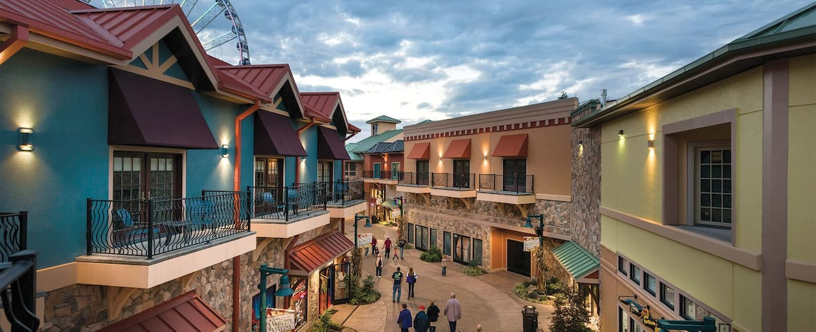 One Bedroom @ Margaritaville Island Pigeon Forge