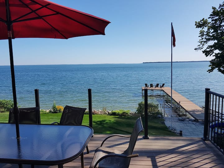 Gorgeous Lake Simcoe  Waterfront Timber Frame