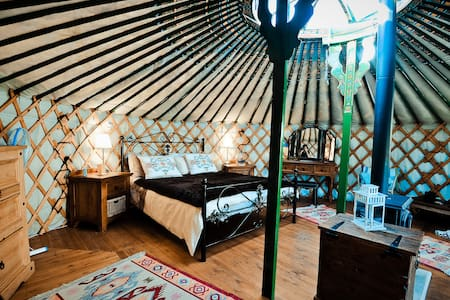 Yurts in Cyprus - unique holidays - Sarama - Jurtta